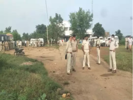 In the lockup of Satna Singhpur police station, Sandhi was shot dead, causing ruckus after the death, constable suspended in-charge of the police station.