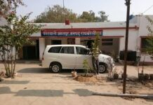 Rae Bareli: Questioning the functioning of the police, forced capture by the overbearing years old Mata temple