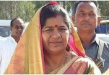 Madhya Pradesh; BJP government minister Imarti Devi is openly giving statements to rig the election