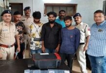Police arrested smugglers raiding factory of printing fake currency in Bhopal